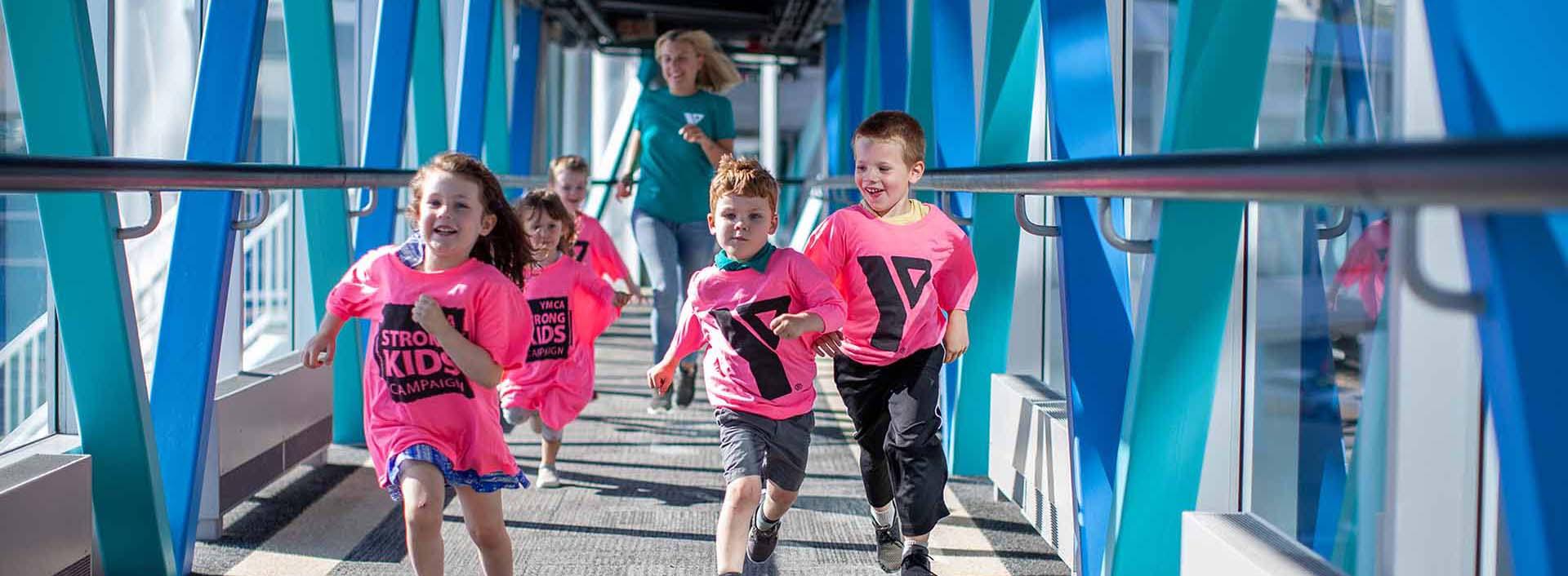happy children runing
